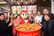 Filipino Fast Food Restaurant, Jollibee, Opens First Midwest...
