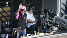 White Sox Broadcaster Hawk Harrelson Works Last Game