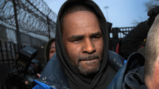 R. Kelly Asks Judge to Let Him Travel to Dubai to Perform
