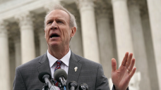 Rauner Says Trump Should Stop Splitting Families