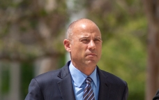 Report: Foxx Met Avenatti at O'Hare Before Filing Charges