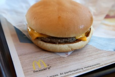McDonald's Switching From Frozen to Fresh Beef in Quarter...