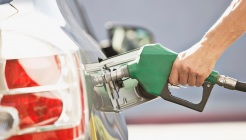 Gas Prices Continue to Fall in Chicago Area: GasBuddy