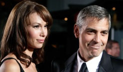 Is Urlacher Kickin' It With Clooney's Ex?