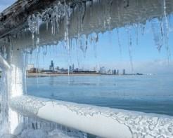Stunning Photos of Frozen Chicago