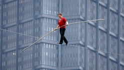 Nik Wallenda To Walk Between Chicago Skyscrapers
