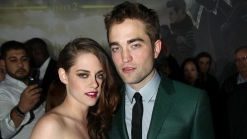 "Stewart, Pattinson Hit ""Breaking Dawn 2"" Premiere Together"