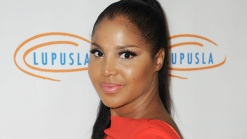 Lupus Forces Singer Toni Braxton into LA Hospital