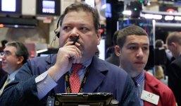 U.S. Stocks Tumble Amid Global Sell-Off