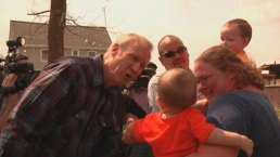 Rauner Meets With Tornado Victims