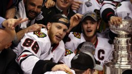 Kane, Toews Sign 8-Year Extensions