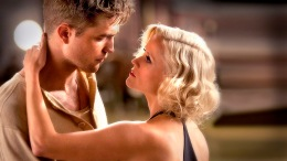 "Review: Robert Pattison Rises with ""Water for Elephants"""