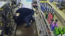 Robber Beats Dallas Clerk With Several Hammers
