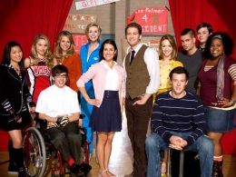 "Behind The Scenes: ""Glee"" Strikes Gold"