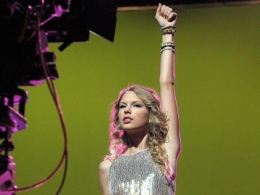 "Taylor Swift Struts Her Stuff for ""Hero"" Shoot"