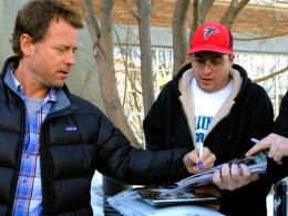 "Greg Kinnear Remains Proud Of ""The Kennedys"""