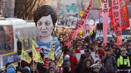 Crowds in South Korea Celebrate Park's Impeachment