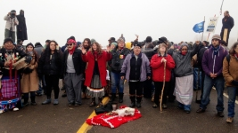 Oil Pipeline Protesters Brace for Showdown With Police