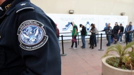 US Considers Limit on Green Cards for Immigrants on Benefits