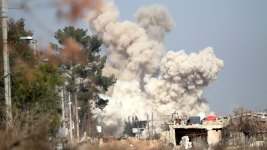 Rebels, Locals Reach Deal to Evacuate Damascus Suburb