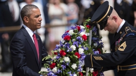 Obama Lays Wreath at Arlington National Cemetery