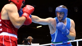 Great Britain's Joshua Wins Gold Over Italian Boxing Champ Cammarelle  in Tiebreaker