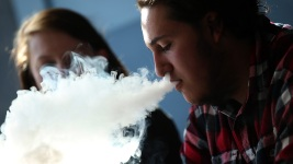 Do E-Cigarettes Help or Harm? Report Says Not Clear Yet