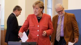 Merkel Wins 4th Term But Nationalists Surge in German Vote