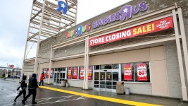 Saturday Is Last Day to Use Toys R Us Gift Cards