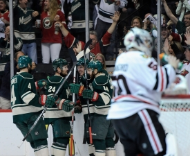 Bickell's Late Goal Seals 4-1 Win for Blackhawks