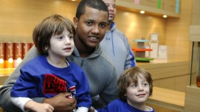 PHOTOS: Starlin Castro's Cupcake Gig
