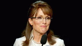 "Check Out Julianne Moore as Sarah Palin in ""Game Changer"" Trailer"