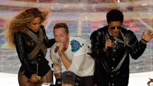 Beyonce, Coldplay, Mars Deliver Energetic, Nostalgic Halftime Show