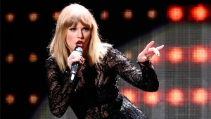Man Breaks into Taylor Swift's Home, Showers & Naps: Sources
