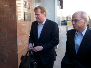 NFL Owners, Players Extend Talks 24 Hours