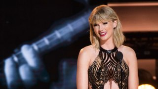 Taylor Swift's Christmas Surprise for 96-Year-Old Veteran