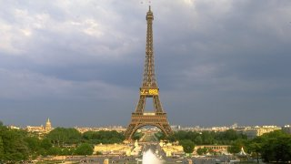 French Woman Allegedly Gang-Raped Near Eiffel Tower After Being Lured on Facebook