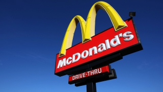 Indiana Police Searching for McDonald's Customer Who Paid With Heroin Wrapped With Money: Report