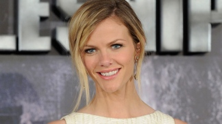 "Brooklyn Decker: ""What To Expect When You're Expecting"" Isn't Just for Chicks"