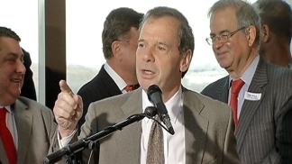 Cullerton Jabs Quinn on Gambling Opposition