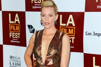 "Elizabeth Banks: Chris Pine has a ""Tiny Butt"""