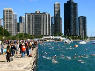 Thousands Compete in 2009 Chicago Triathlon
