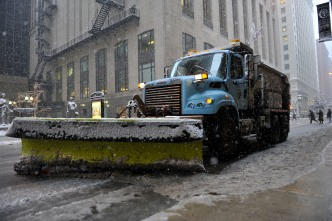 More Than 200 Snow Plows Deployed as Light Snow Falls in Chicago