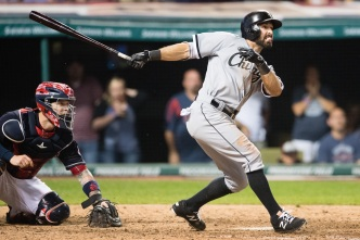 Eaton's Grand Slam in 9th Lifts White Sox Past Indians, 10-7