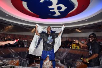 Inside the Celebration for Cubs' Division Title Win