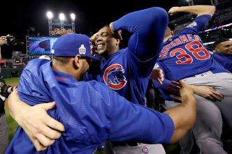 Reports: Fowler, Chapman Will Join Cubs at White House