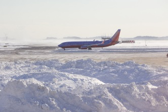 Airlines Cancel Flights Ahead of Significant Snowstorm