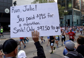 Watching a Runner at the Chicago Marathon? Things to Know