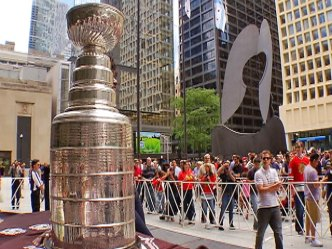 Stanley Cup Does Daley Plaza