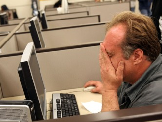 How Older Job Seekers Can Use Social Media to Find Work